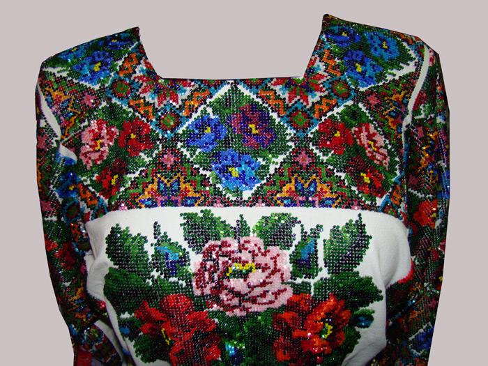 Вышивка бисером платья